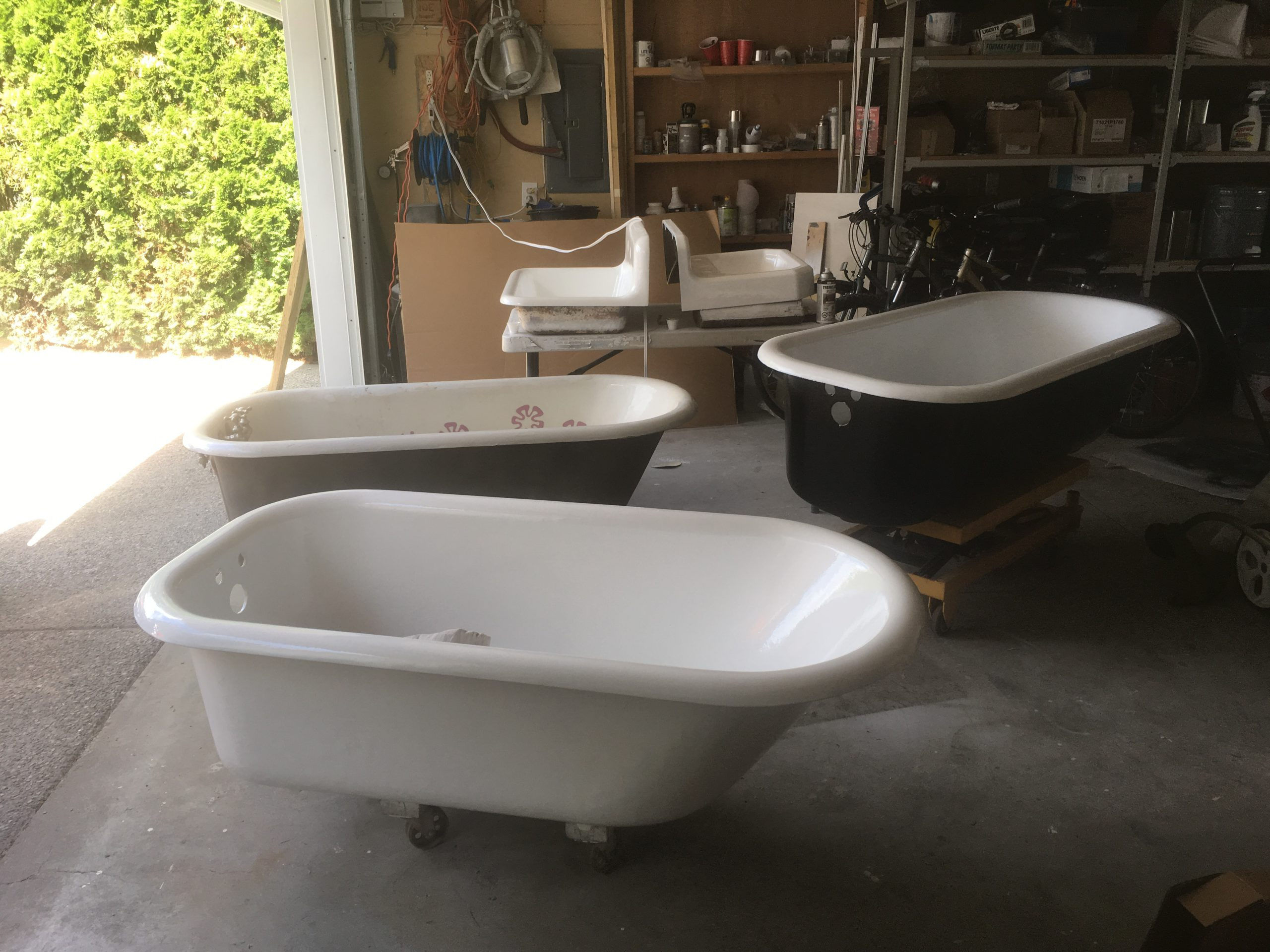 Clawfoot Tub and Sink Refurbishing by Jim Brown Interior Reglazing, Okanagan